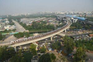 Delhi-metro-pink-line-pradeep-saxena